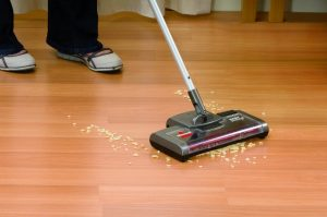 3.BISSELL Easy Sweep Cordless Rechargeable Sweeper